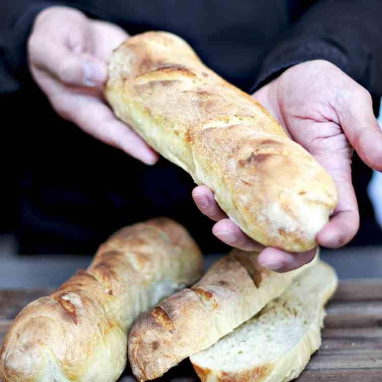 French Baguettes [how to make bread at hom